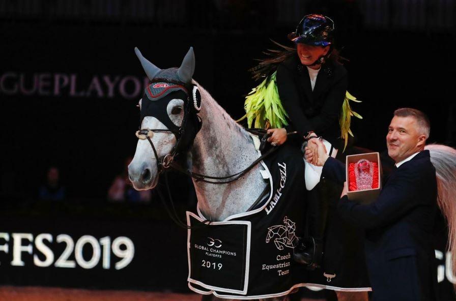 רוכבת הסוסים דני ג'י וולדמן
