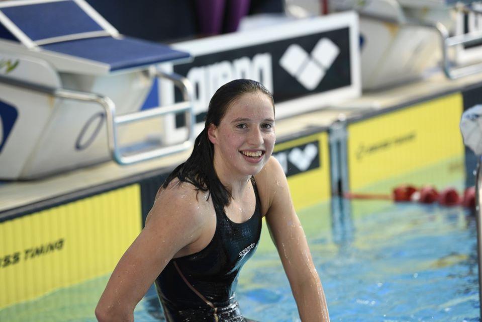לאה פולונסקי - שחייה