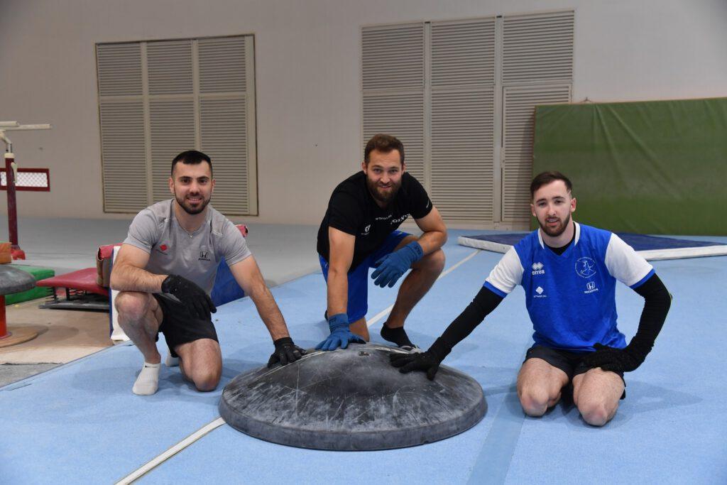 מימין: ארטיום דולגופיאט, אלכס שטילוב ואנדריי מדבדב